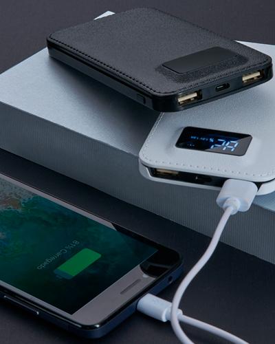 Brindes Personalizados -  Carregador de Viagem USB Universal Personalizado